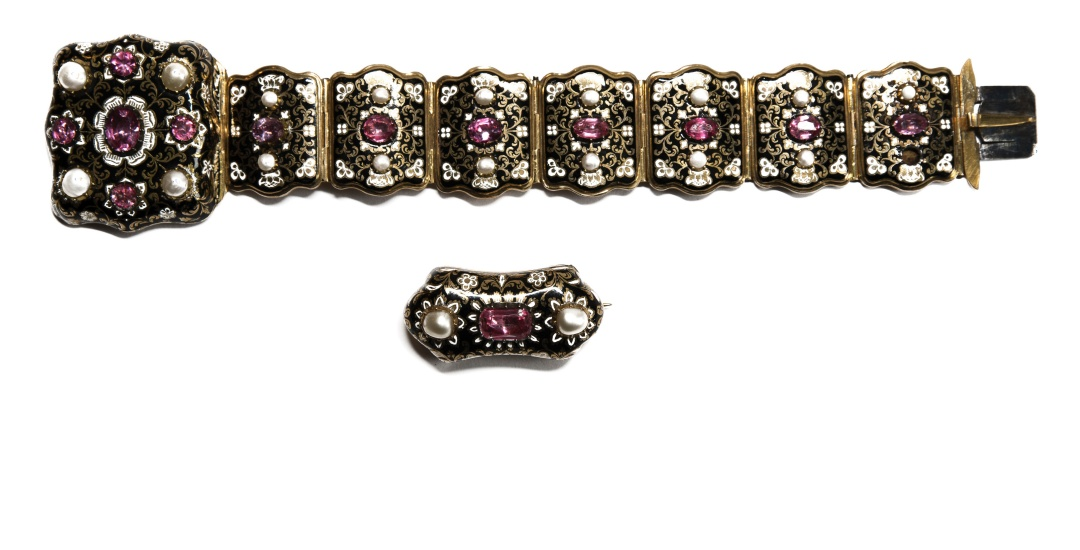 Jewellery, watches and silverware - AUCTION OF 28 MARCH PROVISIONALLY HELD ON APRIL 28TH